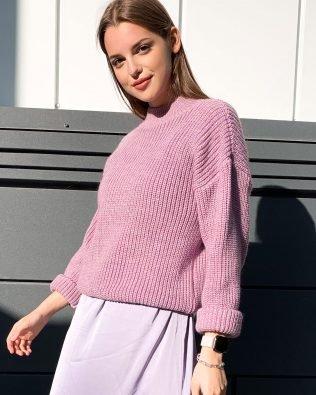 Сиреневый женский свитер крупная вязка в стиле оверсайз
