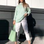 Мятный свитер женский оверсайз с горлом