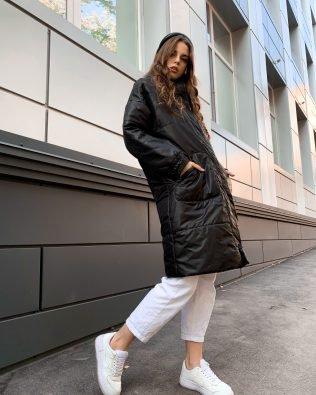 Куртка черная с капюшоном женская на осень
