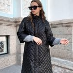 Куртка осенняя безрукавка стеганная с поясом черная
