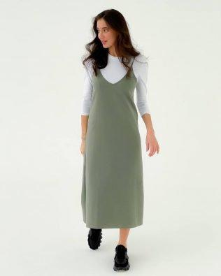 Оливковое платье комбинация из трикотажа и гольфик- красивый костюм