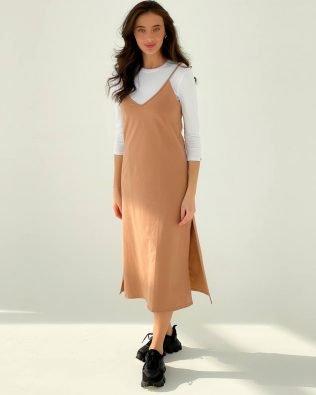 Пудровое платье комбинация из трикотажа и гольфик- красивый костюм
