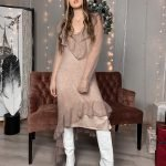 Роскошное платье с воланами из кид мохера, ассиметричного кроя цвета какао бежевый
