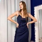 Платье -комбинация темно синее с декольте качели