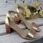 Золотые босоножки на среднем удобном каблуке кожа натуральная