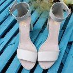 Белые босоножки на среднем удобном каблуке кожа натуральная