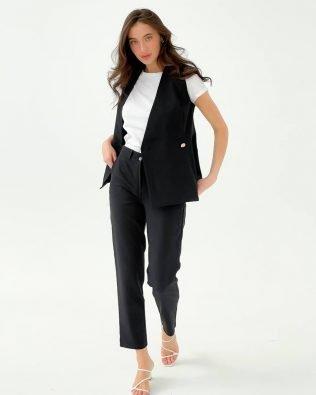 Элегантный черный женский костюм брюки 7/8 и безрукавка — жилет