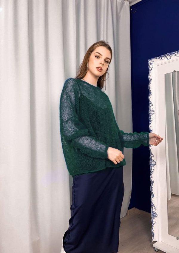 Мохеровый свитер купить тонкуй изумрудного цвета