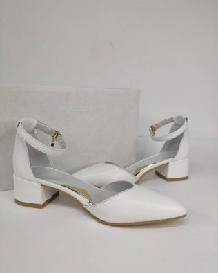 Белые босоножки кожа на среднем каблуке 4 см закрытый носок и пятка