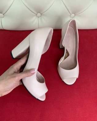 Туфли пудра высокий каблук открытый носок кожа