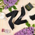 Черные замшевые туфли на высоком толстом каблуке с открытым носиком