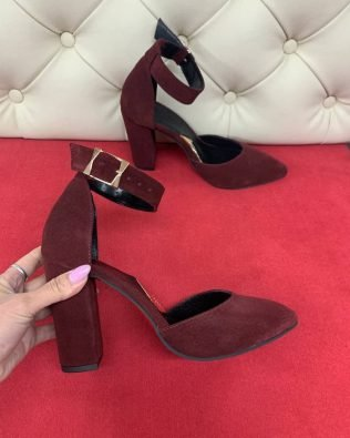Бордовые босоножки из натуральной замши высокий каблук закрытые носок и пятка