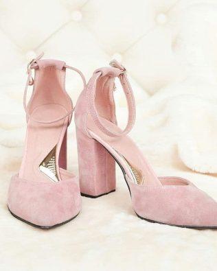 Розовые босоножки из натуральной замши высокий каблук закрытые носок и пятка