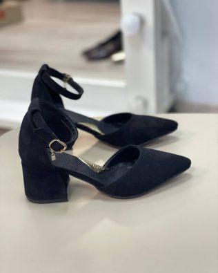 Черные женские босоножки на каблуке 6 см с острым носком из натуральной замши