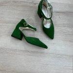 Зеленые женские босоножки на каблуке 6 см с острым носком из натуральной замши