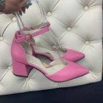 Розовые женские босоножки на блестящем каблуке 6 см с острым носком из натуральной кожи