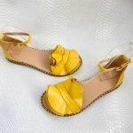 Сандалии женские с воланом из натуральной кожи желтые