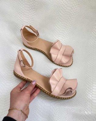 Розовые сандалии женские с воланом из натуральной кожи