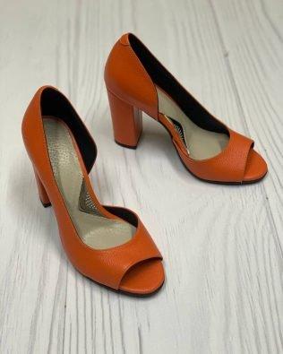 Туфли оранжевые высокий и толстый каблук открытый носок кожа