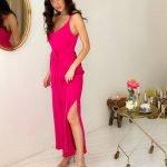 Малиновое длинное платье комбинация с разрезами оверсайз