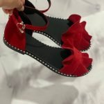 Бордовые сандалии на черной подошве женские с воланом из натуральной замши