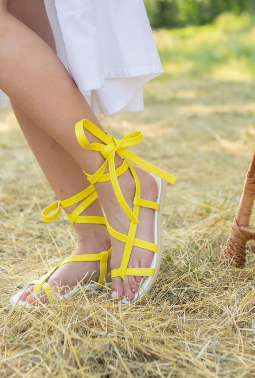 Купить желтые кожаные сандалии гладиаторы