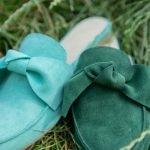 Зеленые мюли женские с бантом на плоской подошве