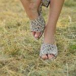 Леопардовые, светло серые сабо на удобном каблуке из натуральной замши ручной работы
