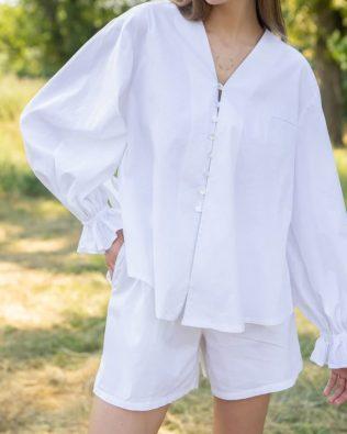 Белая дизайнерская рубашка с пышными рукавами с оборками и навесными петлями
