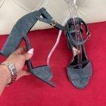 Серые босоножки на высоком устойчивом каблуке натуральная замша