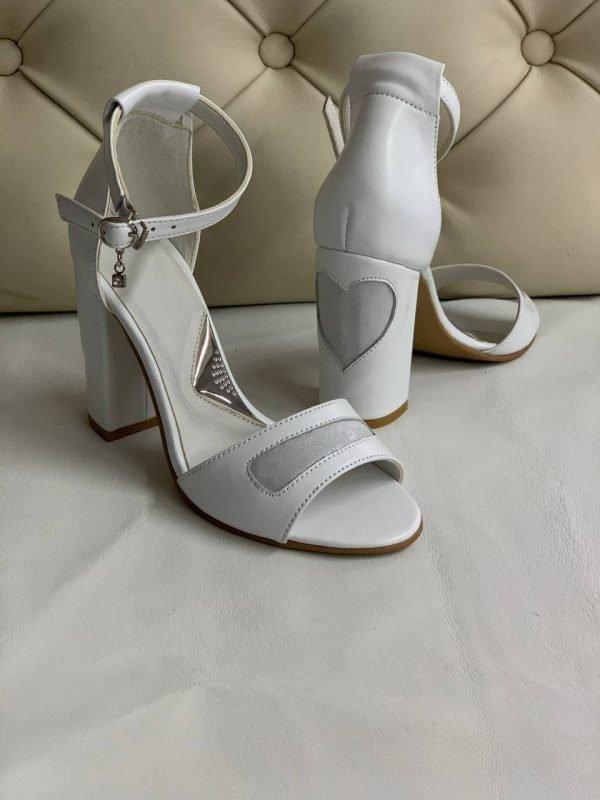 Купить белые босоножки на свадьбу