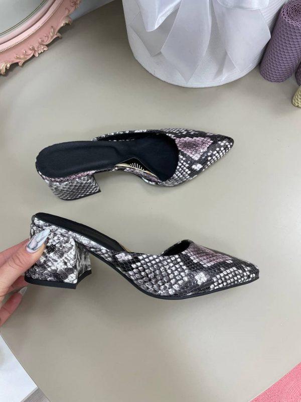 Мюли на каблуке с острым носокм питон серый натуральнаякожа купить