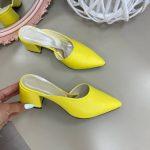 Мюли желтые закрытый нос, на каблуке 6 см