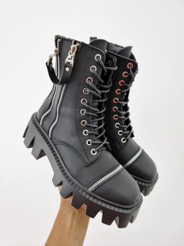 Ботинки на грубой подошве черные матовая кожа украшенно молниями купить