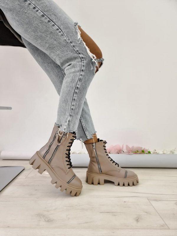 Ботинки из натуральной кожи бежевые с грубой подошвой купить