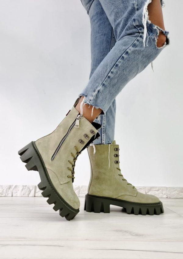 Женские замшевые ботинки оливкового цвета купить