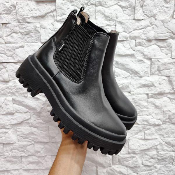Женские ботинки челси на массивной подошве черные купить