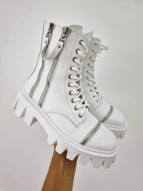 Купить женские белые ботинки из натуральной кожи на грубой подошве