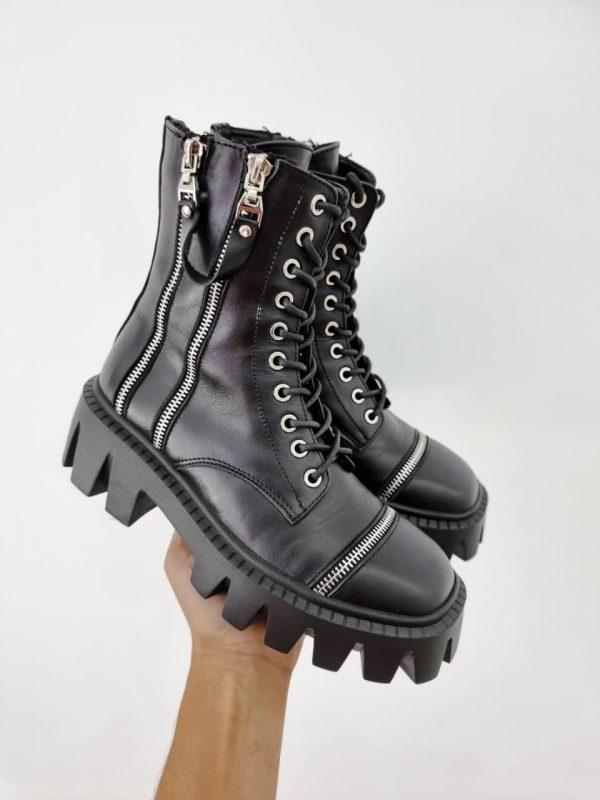 Кожаные, черные ботинки на грубой протекторной подошве купить