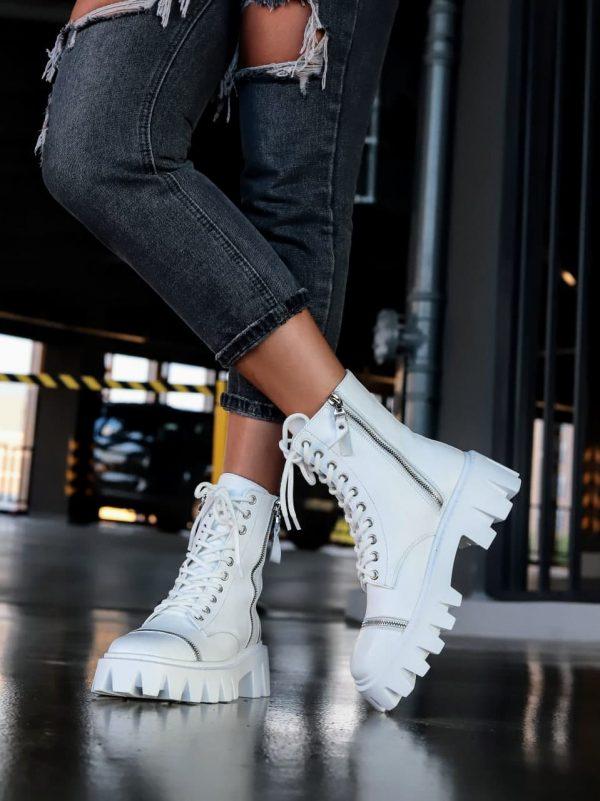 купить белые ботинки средней длинв на грубой подошве из кожи
