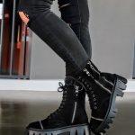 Ботинки на грубой подошве женские черные из замши купить