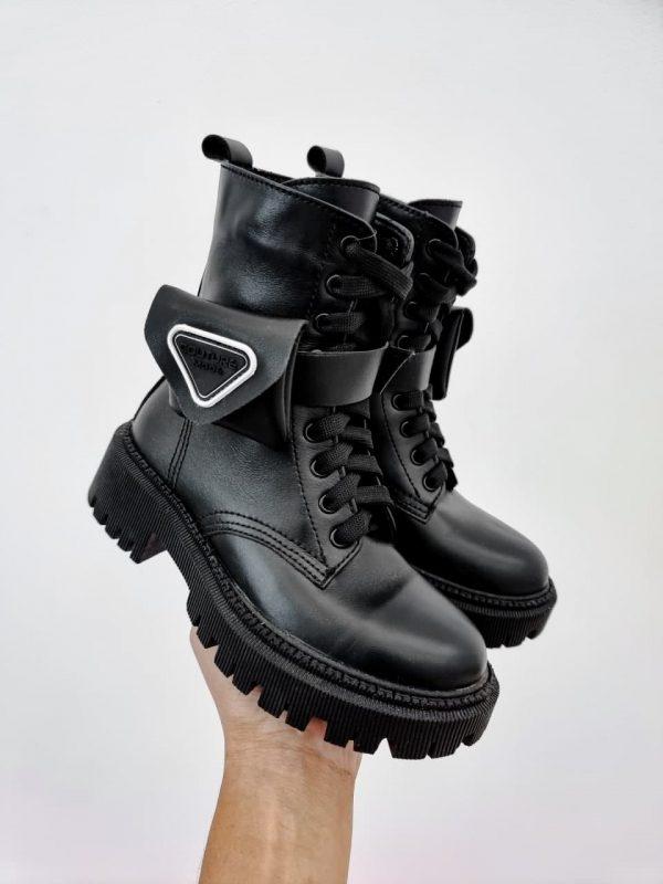 Ботинки с кошельками по бокам купить черные из натуральной кожи
