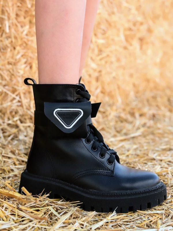 Купить зимние черные ботинки с кошельками на голенище