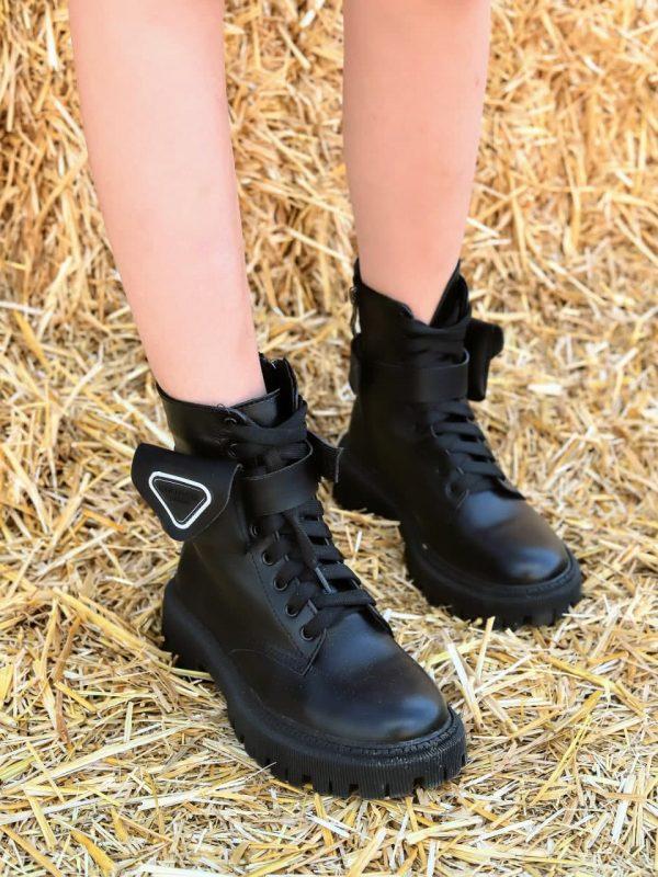 Зимние ботинки с кармашком черные кожаные