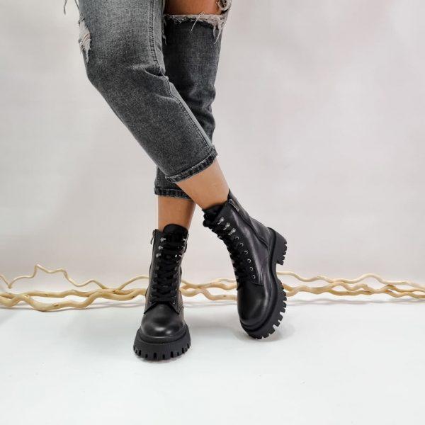 Купить ботинки с массивной подошвой женские