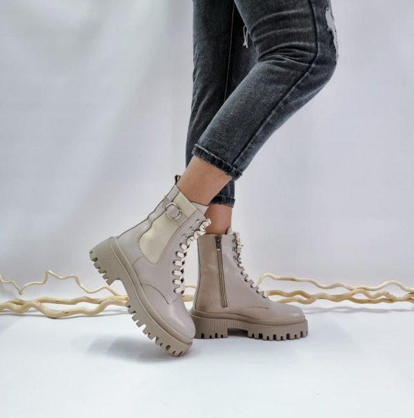 Купить темно бежевые ботинки с массивной подошвой в стиле милитари
