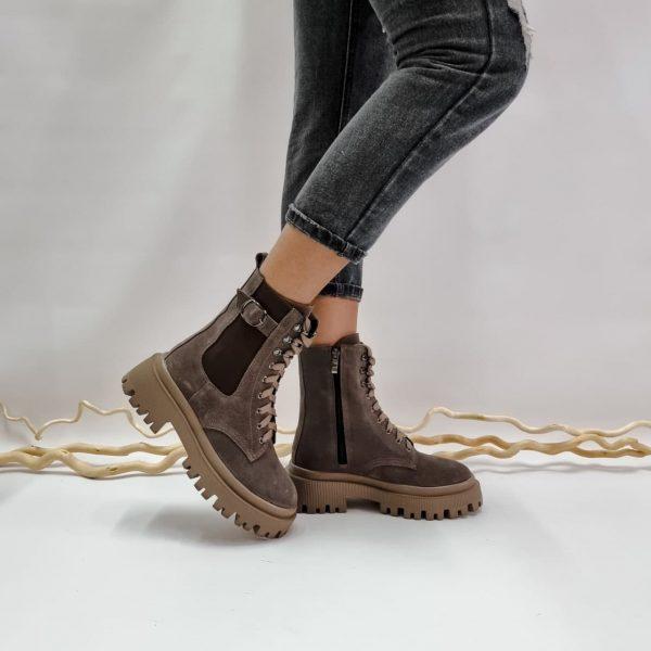 Темно бежевые ботинки женские из натуральной замши с массивной подошвой купить