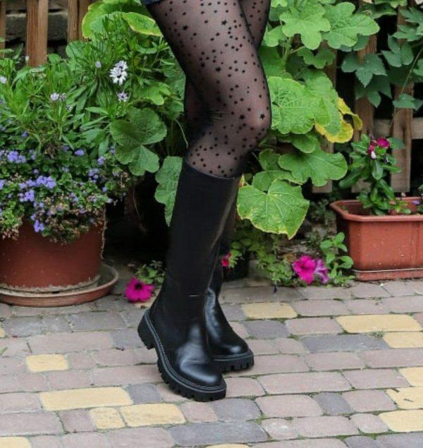 Сапоги черные кожаные на масссивной подошве купить